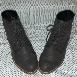 NWOT Indigo rd. Woman's Ankle Booties Gray size 7